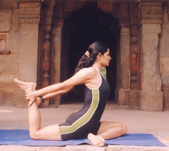 Girl Doing Yoga (port)re